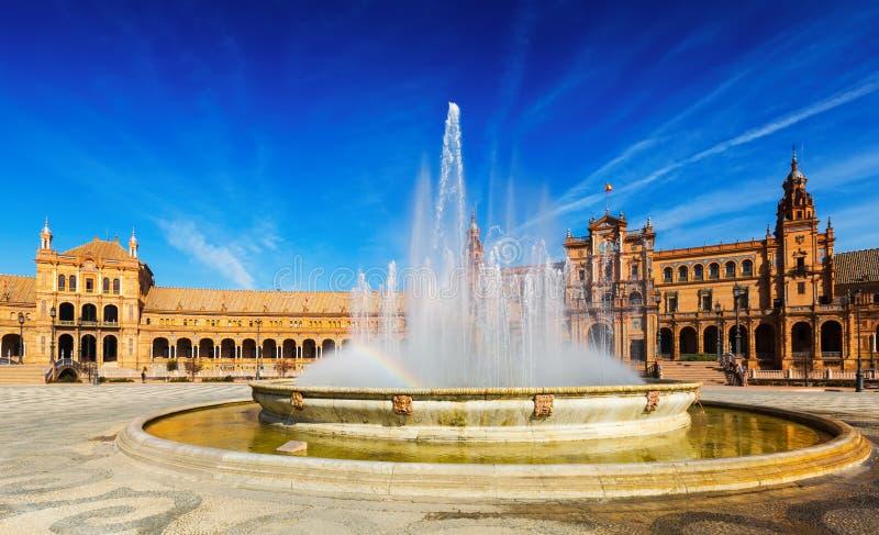 Plaza DE Espana met fontein Sevilla, Spanje royalty-vrije stock afbeeldingen