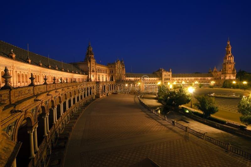 Plaza de Espana nachts lizenzfreie stockbilder