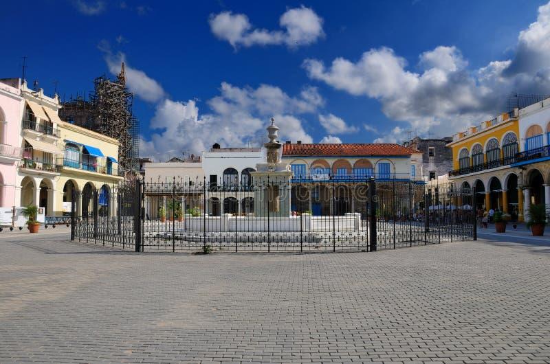 Plaza de La Havane avec la fontaine image libre de droits