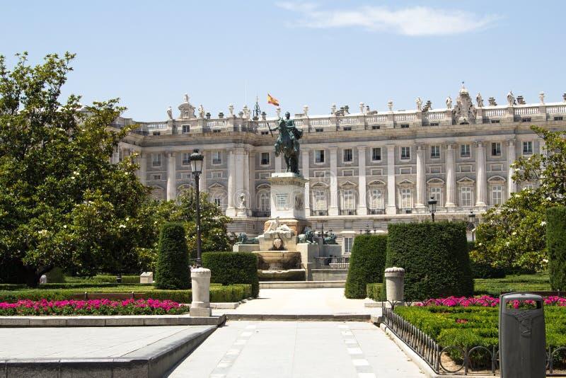 Plaza de Oriente, estatua de Felipe IV madrid foto de archivo