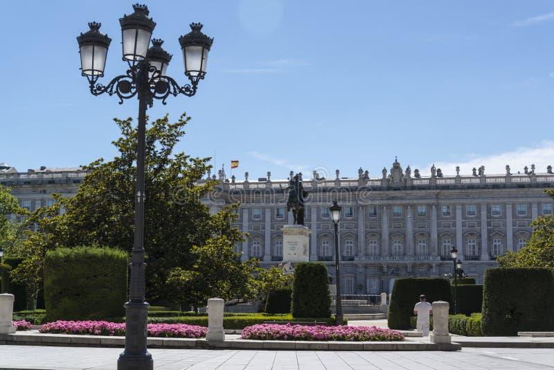 Plaza de Oriente och Royal Palace, Madrid, Spanien arkivfoton