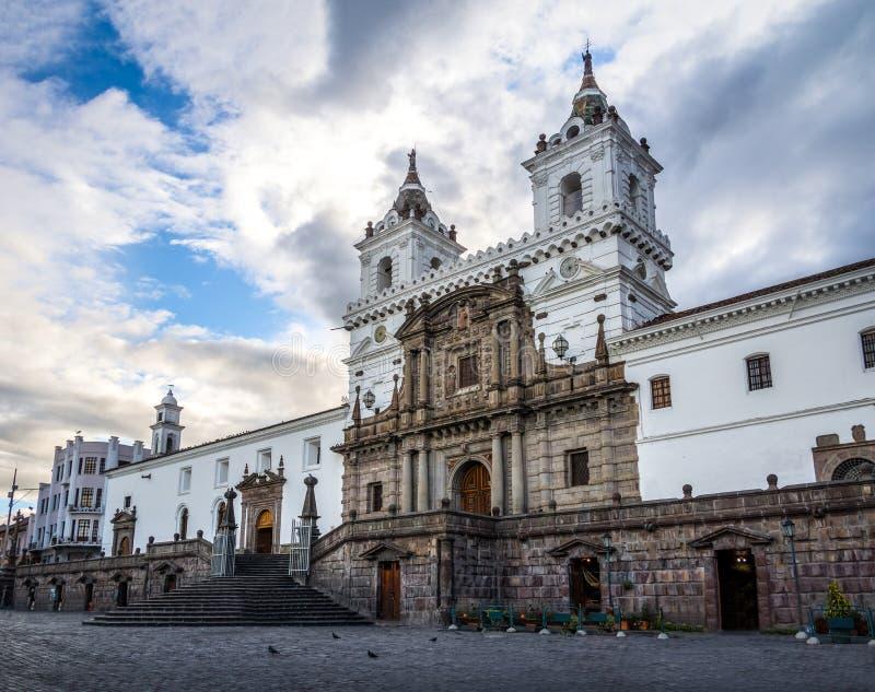 Plaza De San Francisco et St Francis Church - Quito, Equateur photographie stock libre de droits