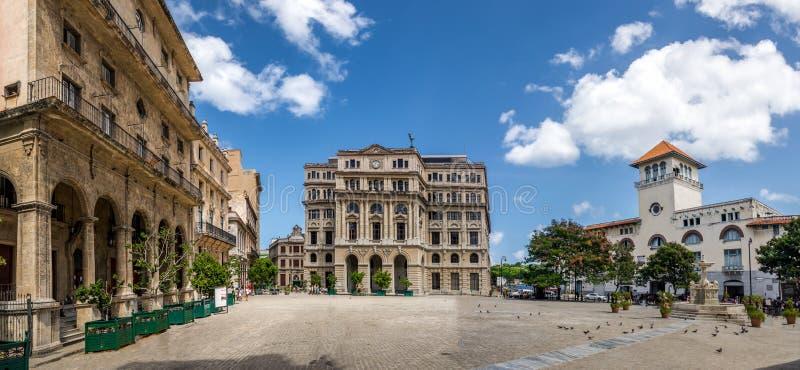 Plaza de San Francisco - La Habana, Cuba fotos de archivo