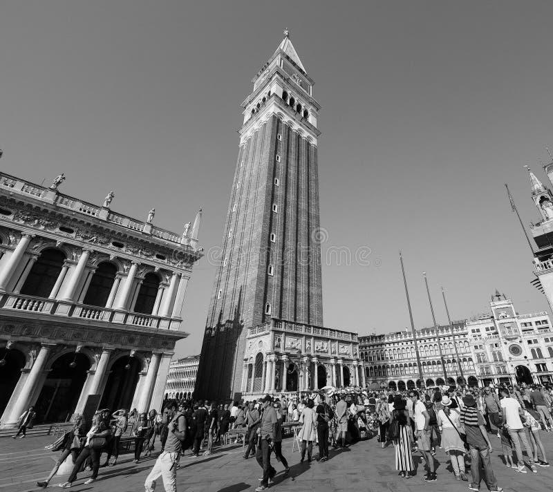 Plaza De San Marcos En Venecia En Blanco Y Negro Foto editorial ...