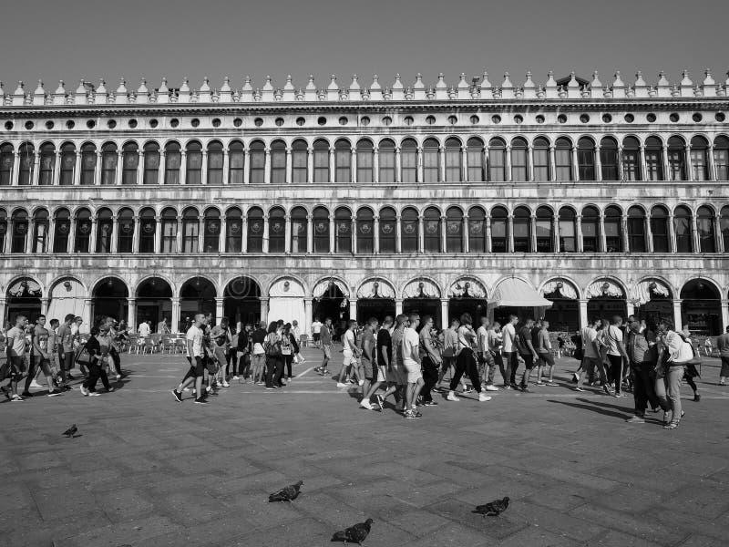 Plaza De San Marcos En Venecia En Blanco Y Negro Foto de archivo ...