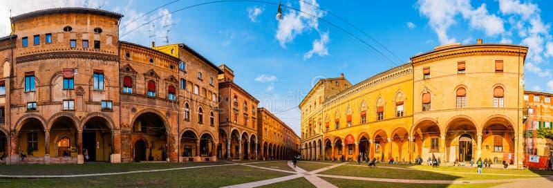 Plaza de Santo Stefano en la ciudad de Bolonia, Italia fotografía de archivo