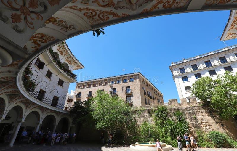 Plaza Del Cabildo ist ein öffentlicher Platz, der nahe der Kathedrale gelegen ist, in der jeder Sonntag ein Markt von alten Münze stockbilder
