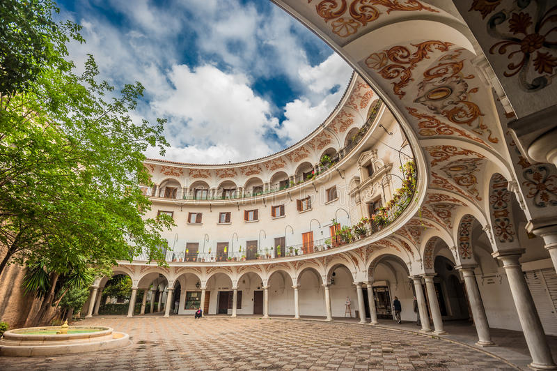 Plaza del Cabildo, Seville, Spanien royaltyfri bild