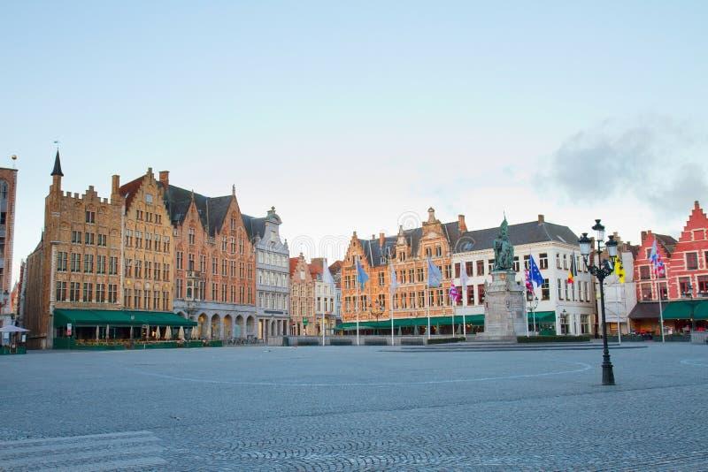 Plaza del mercado, Brujas imagen de archivo