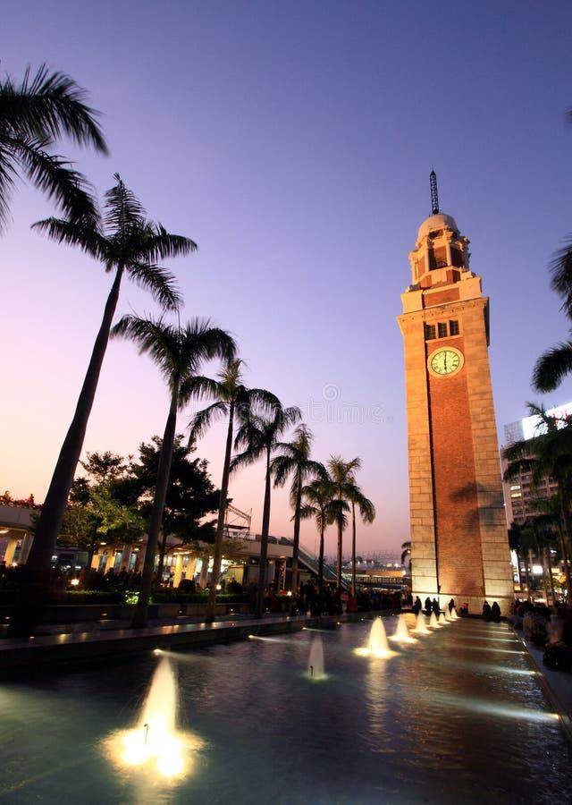 Plaza del mercado de Tsimshatsui en el crepúsculo imagen de archivo