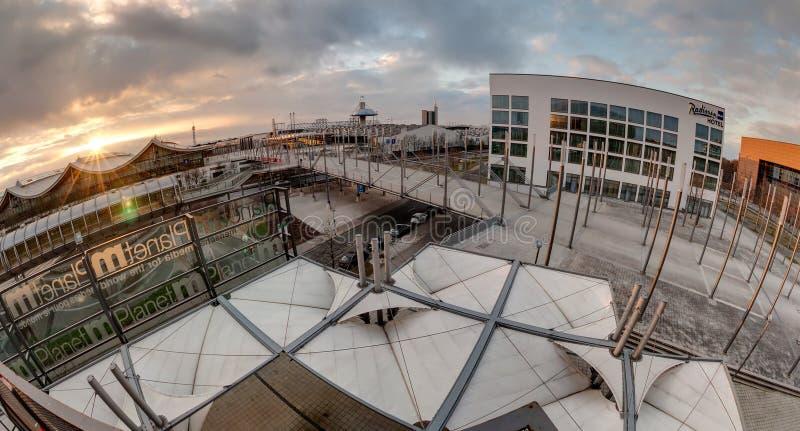 Plaza dell'Expo sulla zona fieristica di Hannover fotografia stock libera da diritti