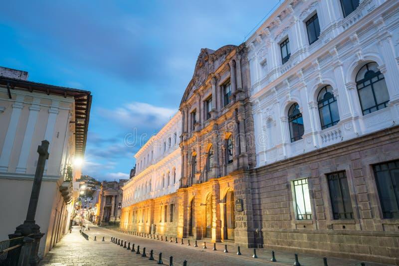 Plaza grande en la ciudad vieja Quito, Ecuador fotografía de archivo libre de regalías
