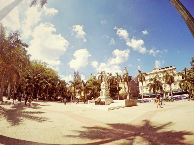Plaza Havana Cuba anziana del centro urbano immagine stock libera da diritti