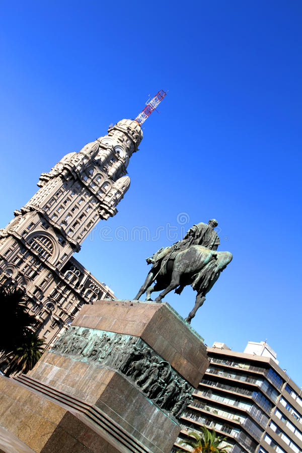 Download Plaza Independencia In Montevideo Stock Photo - Image of landmark, founder: 26849894