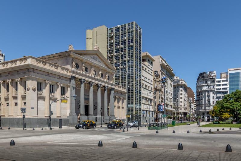 Plaza Lavalle con la scuola di Presidente Roca - Buenos Aires, Argentina immagine stock libera da diritti