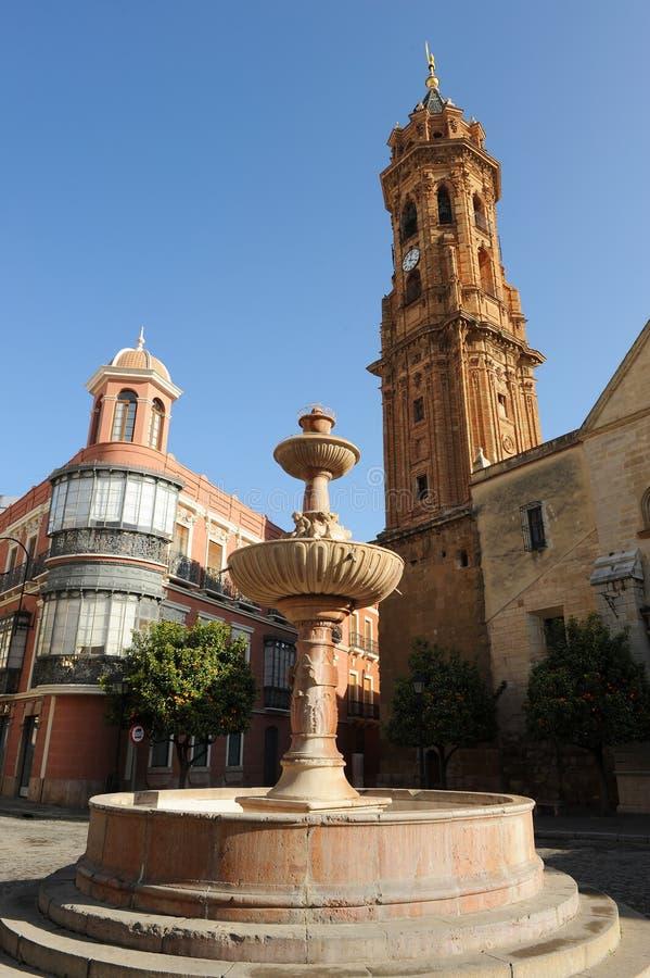 Plaza och kyrka av helgonet Sebastian, Antequera, Malaga landskap, Spanien fotografering för bildbyråer