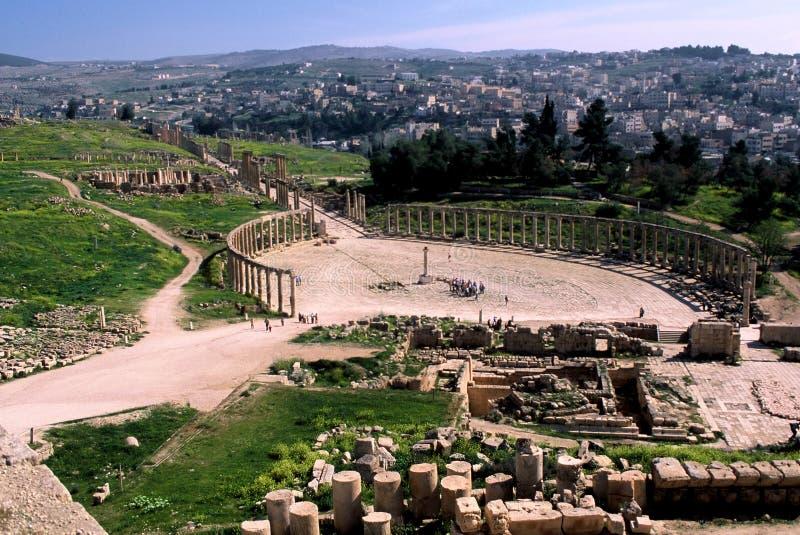 Plaza ovale nella città antica di Jerash immagini stock libere da diritti
