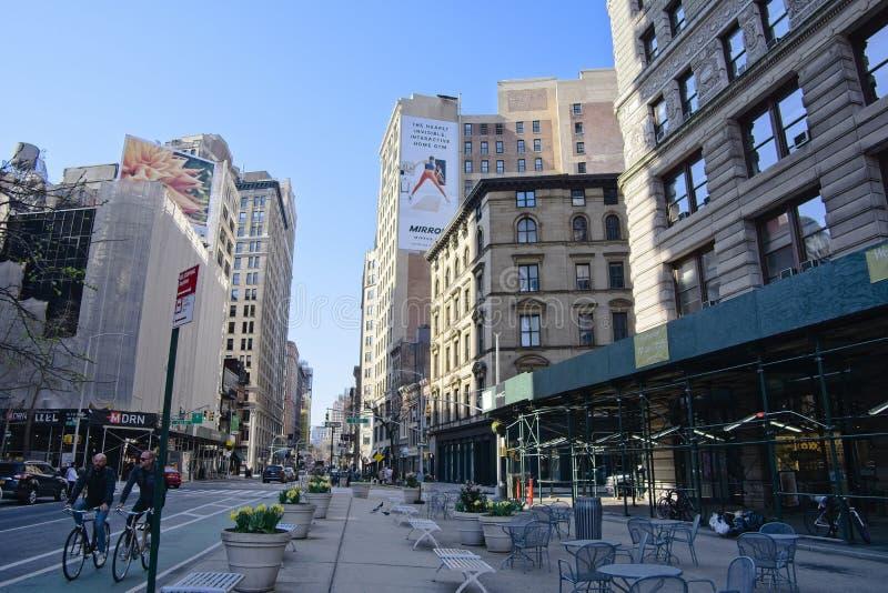 Plaza piétonnière dans le secteur de fer à repasser de NYC photo libre de droits