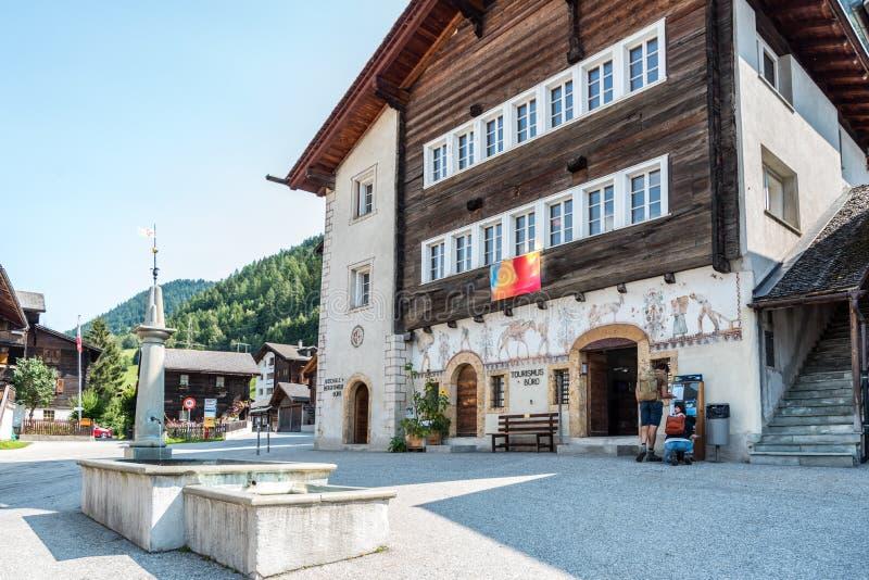 Plaza principal de Ernen, Suiza foto de archivo