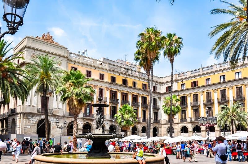 Plaza quadrata reale reale a Barcellona, Spagna fotografie stock libere da diritti