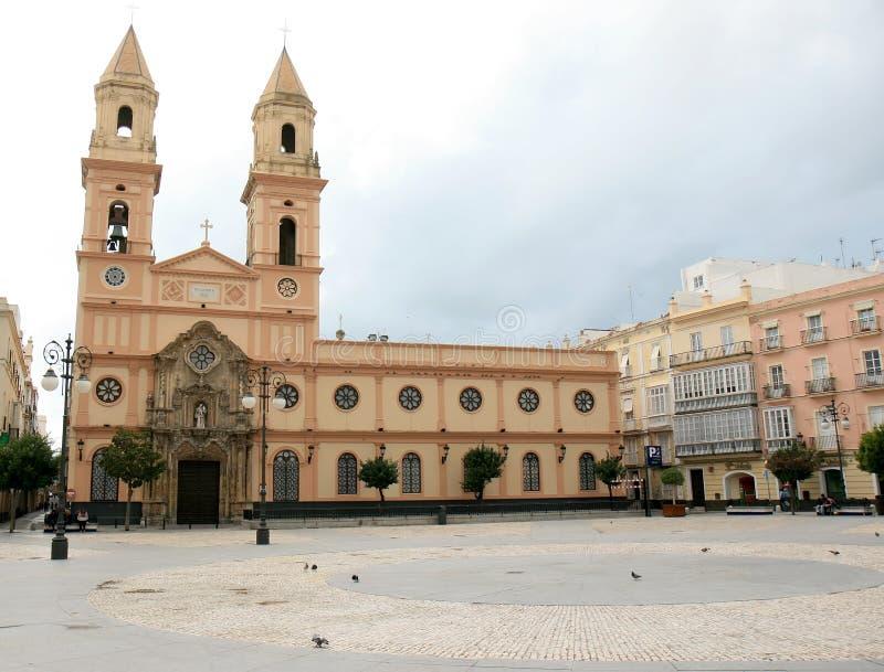 Plaza San Antonio e la stessa chiesa a Cadice, Spagna immagini stock libere da diritti