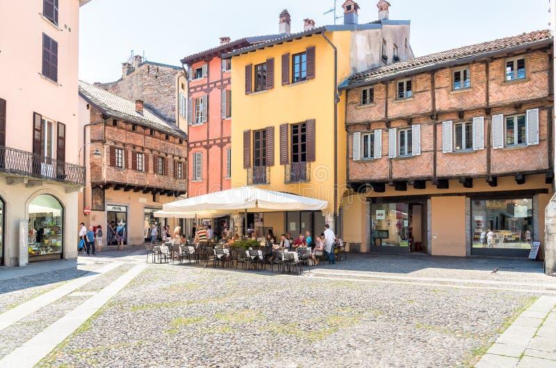Plaza San Fedele en el centro histórico de Como, Italia imágenes de archivo libres de regalías