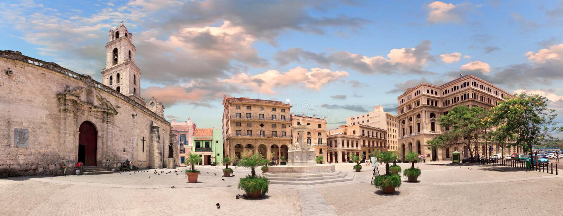 Plaza San Francisco de Asis, havannacigarr, Kuba arkivfoton