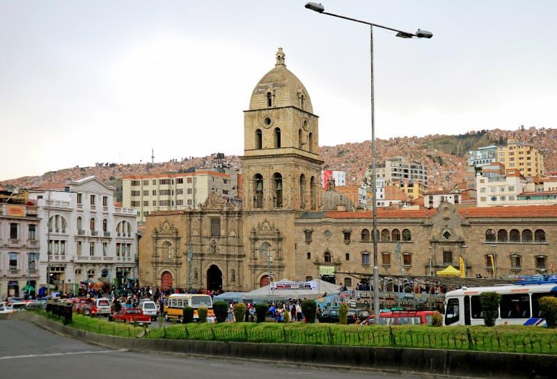 Plaza San Francisco Square com seu marco famoso San Francisco Church, La Paz Downtown, Bolívia, o 26 de abril de 2018 fotos de stock
