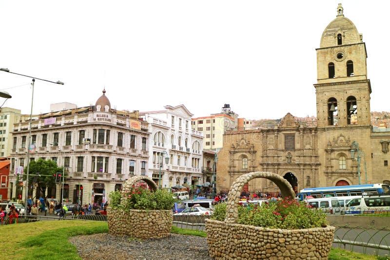 Plaza San Francisco Square med San Francisco Basilica, La Paz, Bolivia arkivfoton