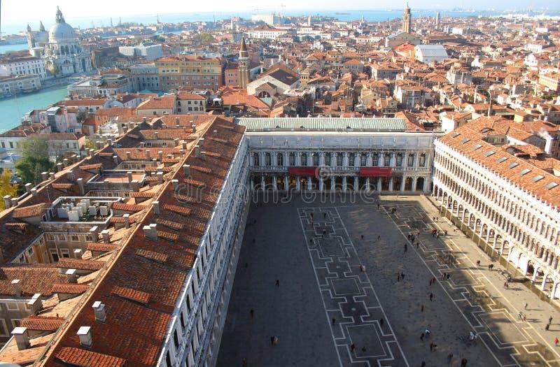 Plaza San Marco de Venecia de arriba imagenes de archivo