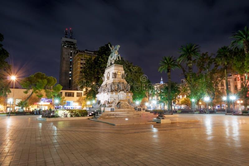 Plaza SAN Martin τη νύχτα - Κόρδοβα, Αργεντινή στοκ εικόνα με δικαίωμα ελεύθερης χρήσης