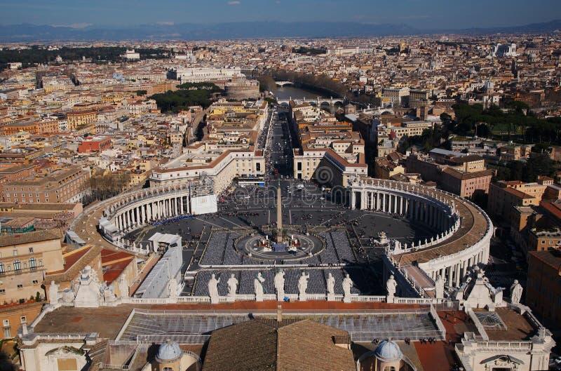 Plaza San Pedro en la Ciudad del Vaticano fotografía de archivo