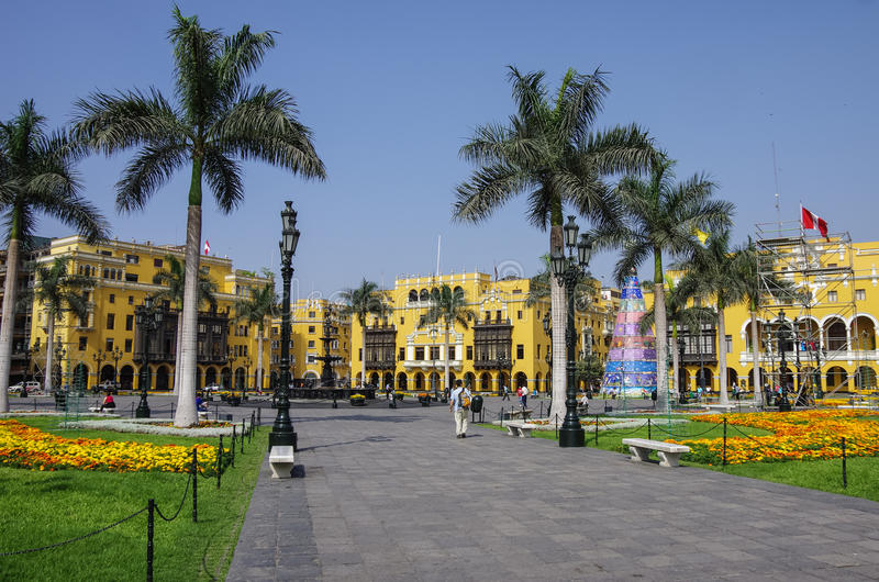 Plazaborgmästare (förr, Plaza de Armas) i Lima, Peru royaltyfria bilder