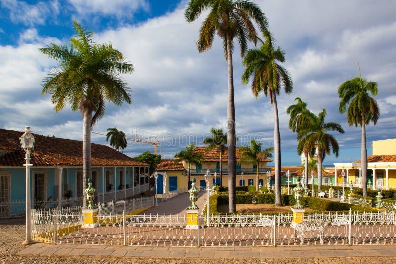 Plazaborgmästare - rektorfyrkant av Trinidad, Kuba royaltyfria bilder