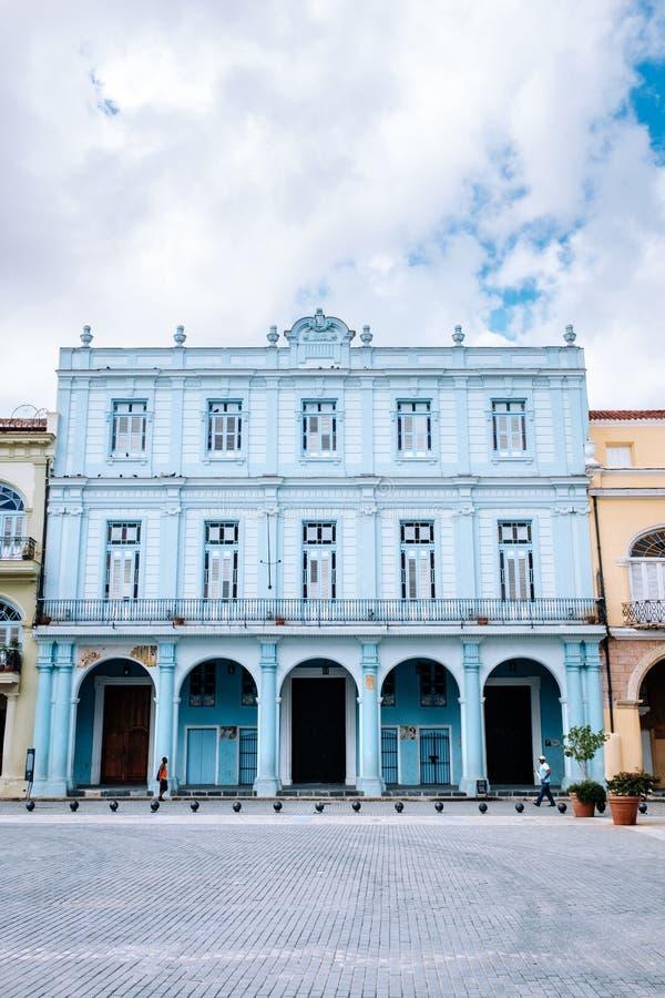 PlazaVieja fyrkant i den gamla havannacigarren, Kuba arkivbild