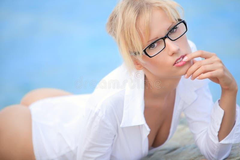 plciowy girle morze fotografia stock
