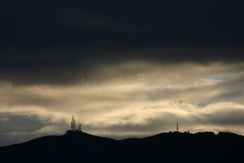 Pleasanton-Hügel an der Dämmerung lizenzfreies stockbild