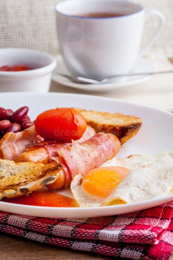 Download Plein déjeuner anglais image stock. Image du breakfast - 56475319