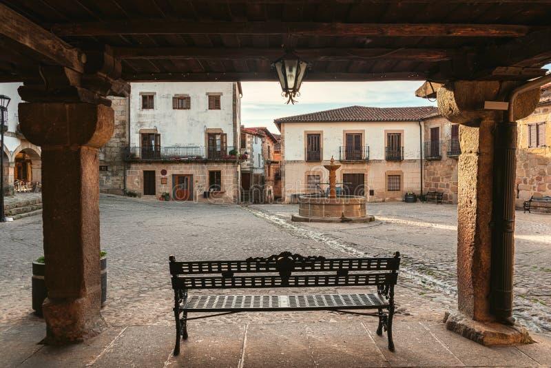 Pleinburgemeester in San Martin de Trevejo stock afbeeldingen