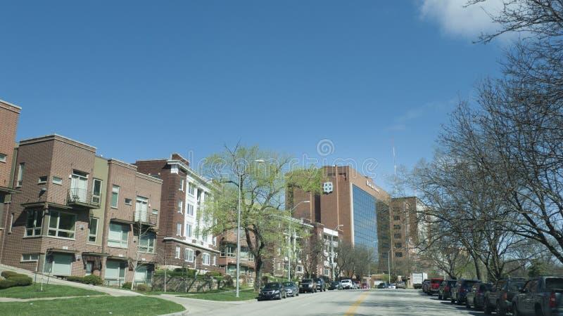 Pleindistrict van Kansas City, Missouri, flats en het Ziekenhuis van Heilige Luke ` s royalty-vrije stock afbeelding