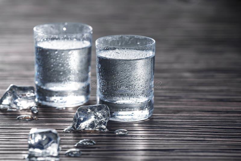 Pleins tirs de vodka photographie stock