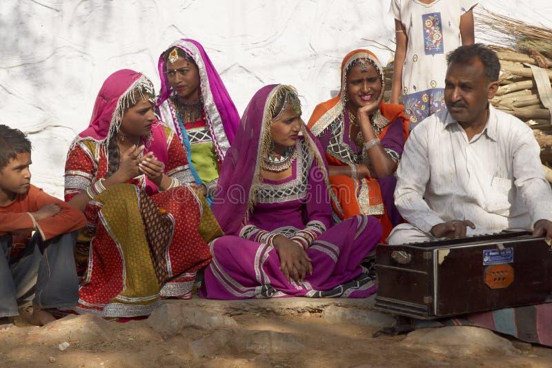 Plemienni tancerze w Jaipur, India obraz royalty free