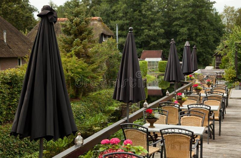 Plenerowa restauracja w Giethoorn holandie obrazy royalty free