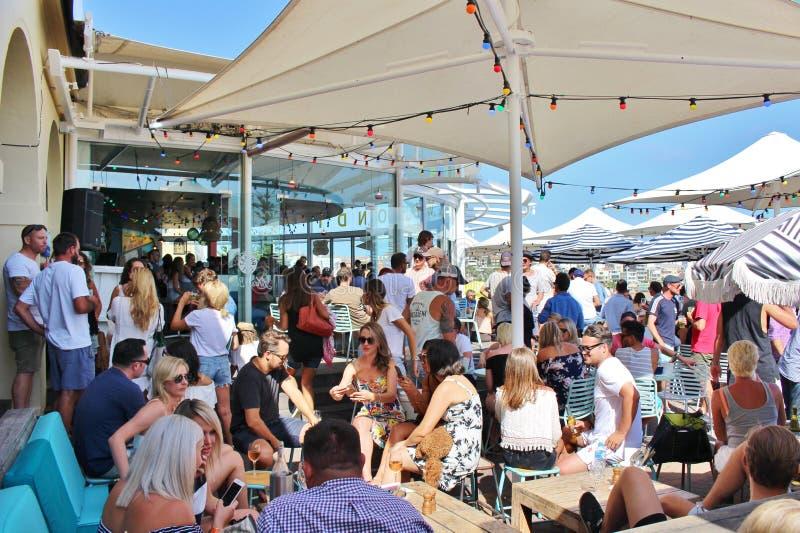 Plenerowy miejsca siedzące przy Bondi plażą, Sydney obrazy royalty free