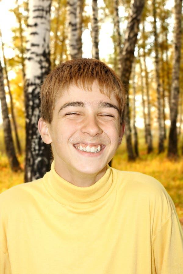 Plenerowy szczęśliwy nastolatek obrazy stock