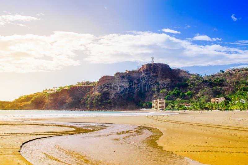 Plenerowy widok nabrzeżne scena San Juan Del Sura Nicaragua z restauracjami i hotelami na pokojowym oceanie obrazy stock