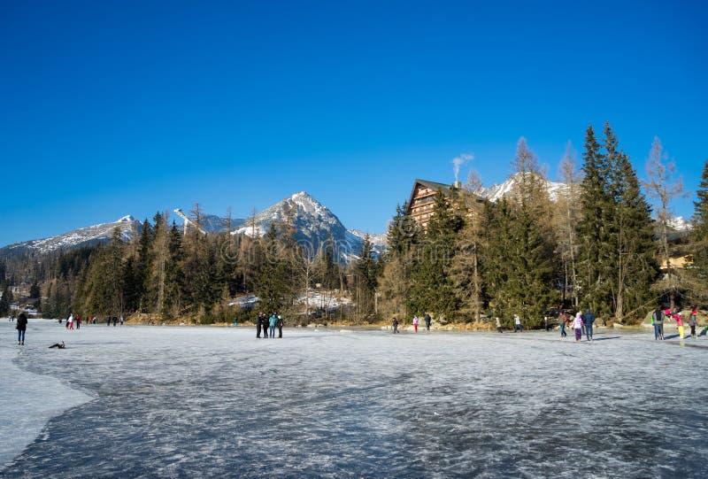 Pleso de Strbske do lago em Tatras elevado fotografia de stock