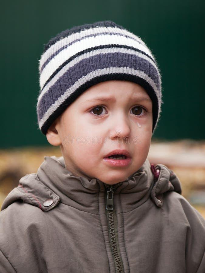 Pleurer de petit enfant photos stock