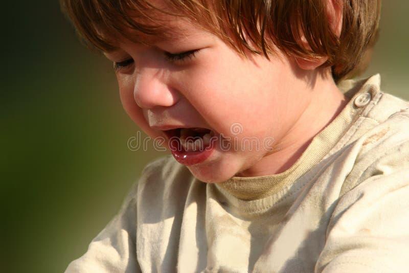 Pleurer et enfant affamé image libre de droits