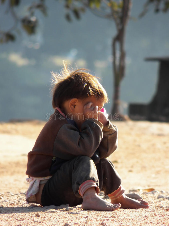 Pleurer très triste d'enfants photo libre de droits